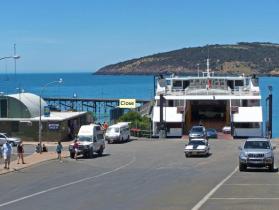 Met de ferry